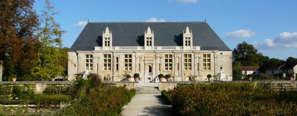 Joinville_-_(52)_-_Château_du_Grand_Jardin_-_Façade_Ouest